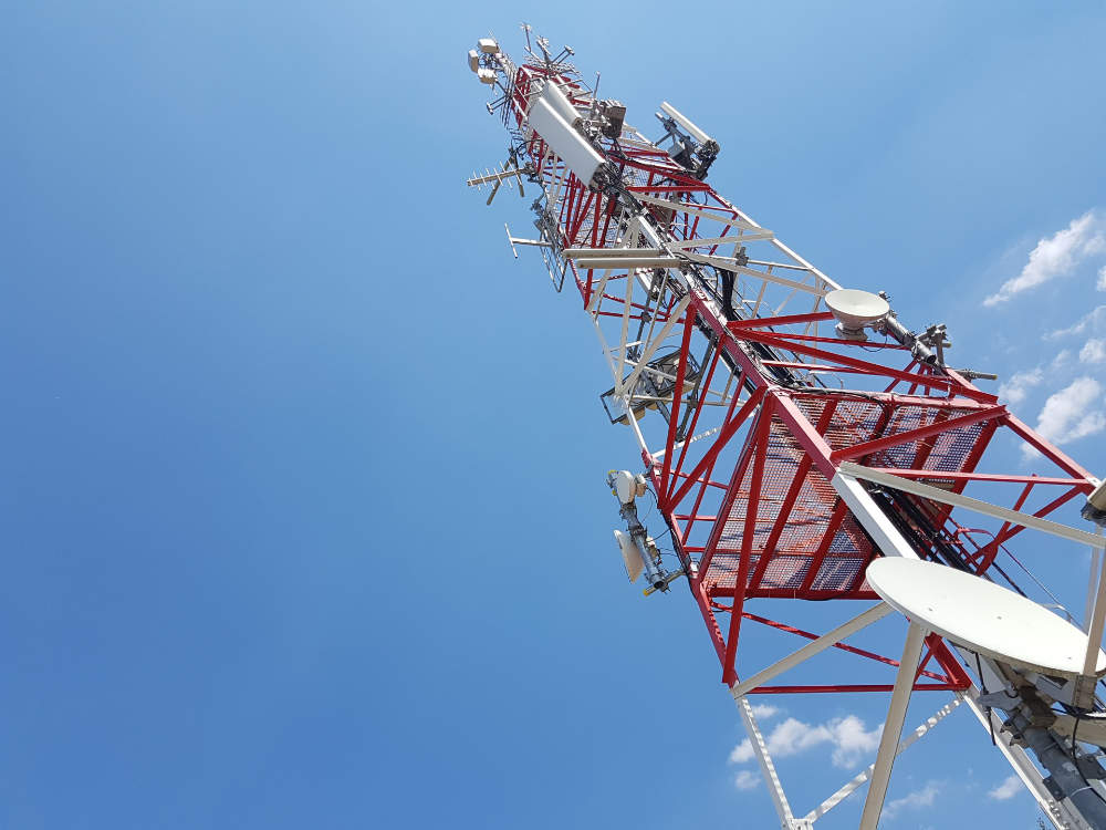 Antena de telefonía en casa Bioclimateam